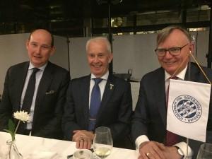 AU-ordf Lars Tegelberg, förre ÖB Sverker Göranson, Ordförande,  förre landshövding, Lars Bäckström